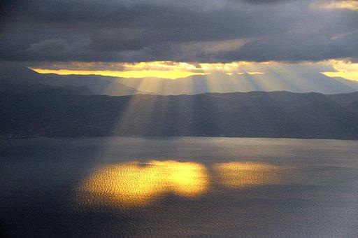 Sun Rays, Water, Setting Sun, Clouds