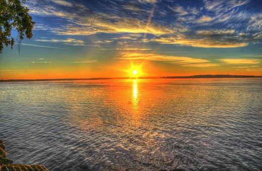 Hasil gambar untuk gambar matahari terbit