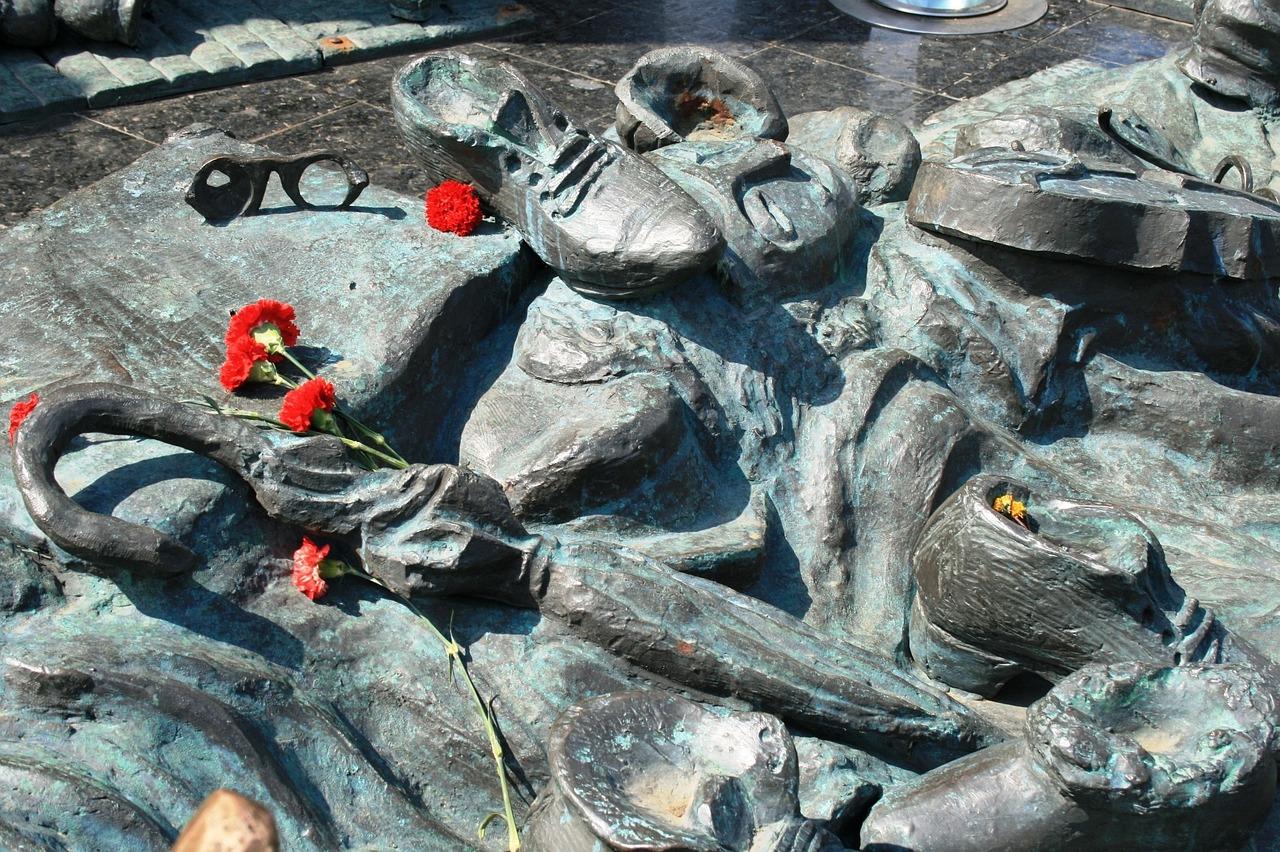 Holocaust monument 182743 1280