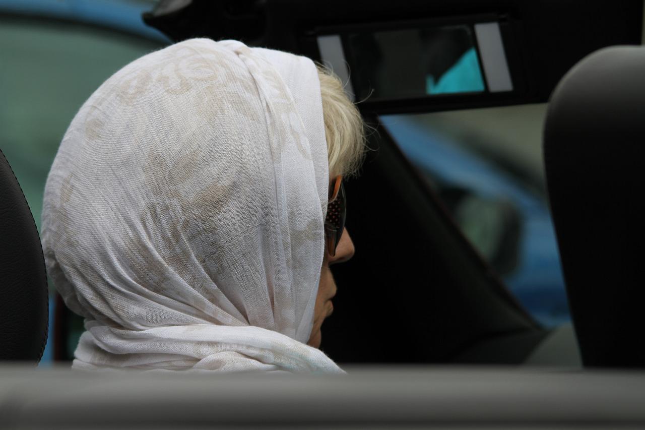 Woman Headscarf Person - Free photo on Pixabay