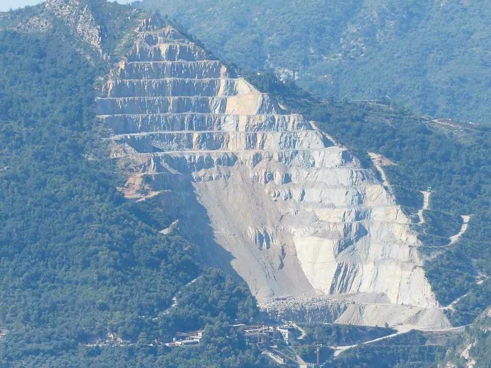 La gran Pirámide de Egipto, podría no ser una pirámide. Quarry-186349_960_720