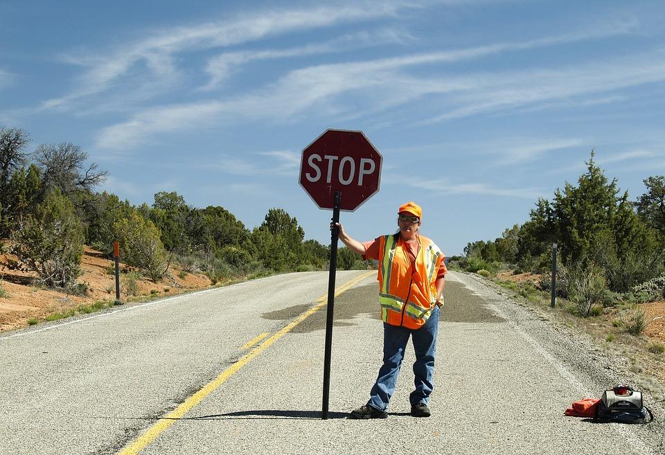 旗振り, 人間, 人, トラフィック, 規制, 注意, 道路, 速度, 制限, 道端, 記号, トランスポート