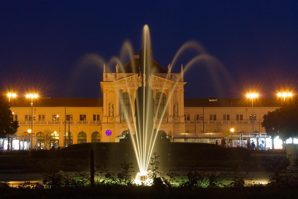 Chorwacja, Zagrzeb, Fontanna, Stacja Kolejowa, Noc