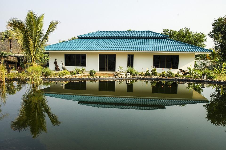 kostenloses foto bungalow haus see kostenloses bild auf pixabay 193502. Black Bedroom Furniture Sets. Home Design Ideas