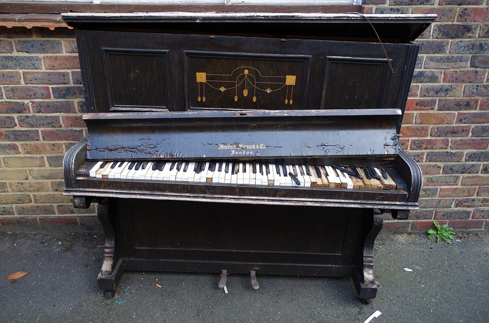 Foto gratis pianoforte tastiera strumento immagine for Strumento online gratuito piano piano