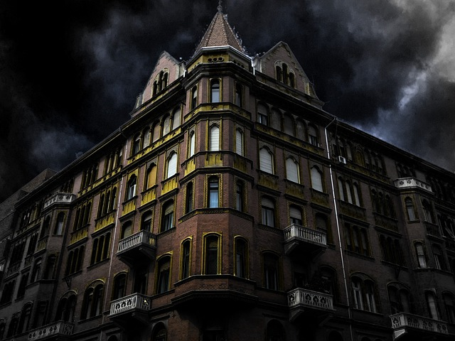 Free photo haunted house corner building free image on for Best old school house