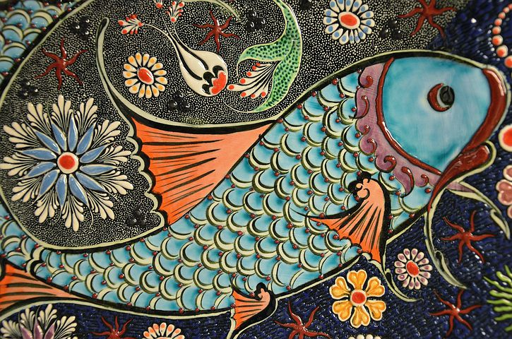 blue, orange, and blue fish illustration
