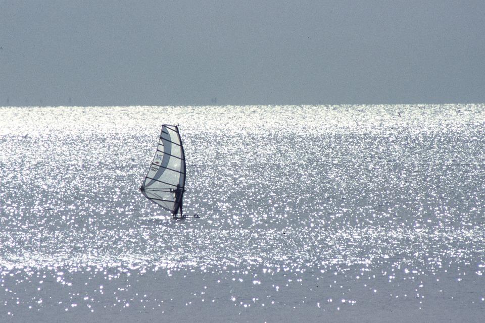 由比ガ浜, 湘南の海, 冬の海, セーリング, 銀鱗に輝く由比ガ浜
