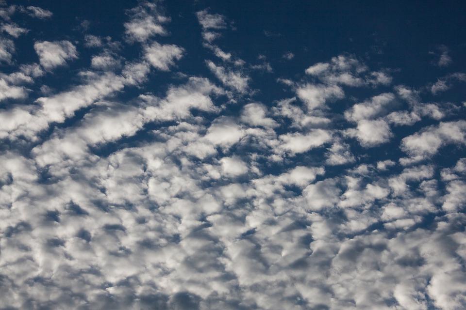 Photo gratuite nuages floconneux nuages bleu image gratuite sur pixabay - Image ciel bleu clair ...