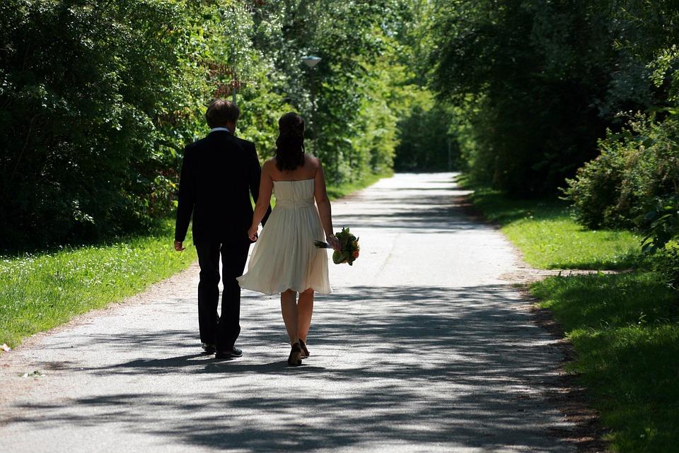 両親への結婚挨拶後のお礼状の例文・結婚挨拶のお礼状のマナー・必要か