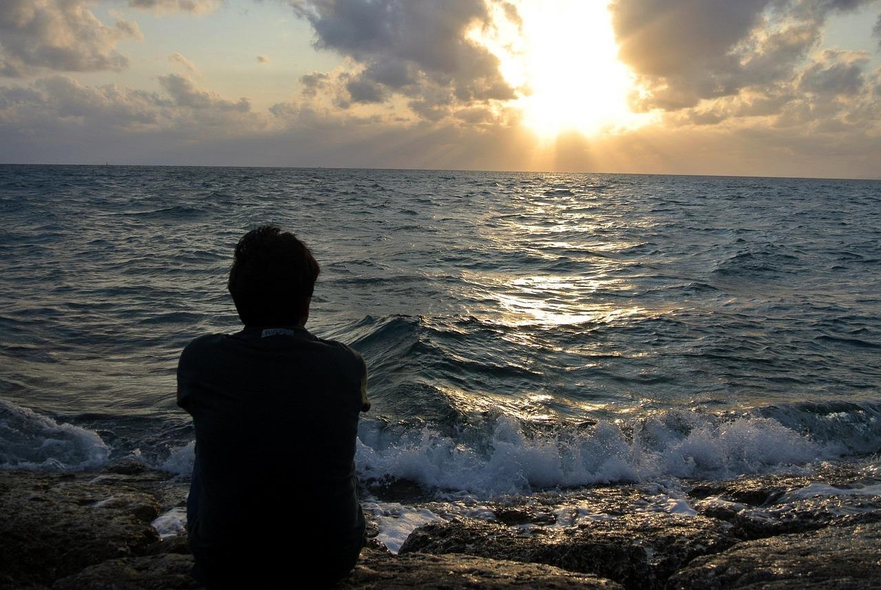 картинки грустного моря часах можно поставить