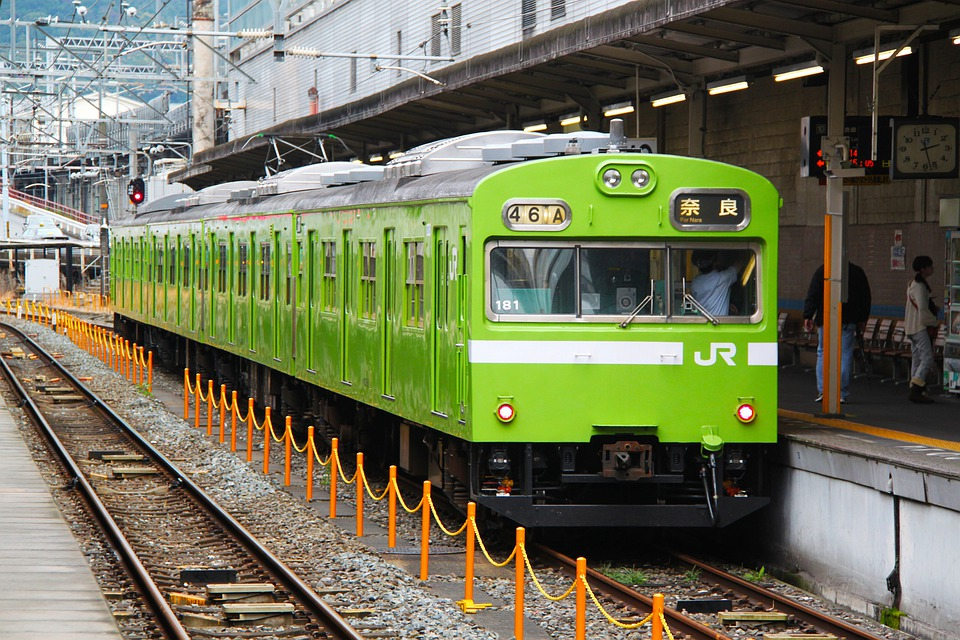 電車が飲食禁止な理由・海外の電車の飲食事情|韓国/オーストラリア/シンガポール