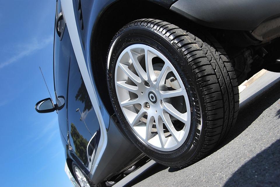 車, 自動車, タイヤ, 車両, ホイール, 道路