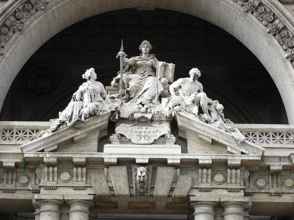 ローマ イタリア 建物 彫刻