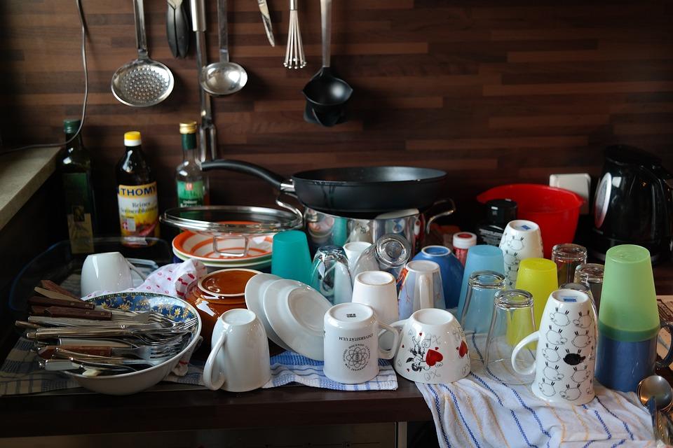 食器, お皿を洗う, トン, すすぎ, マグカップ, 磁器, 仕事, 予算, メガネ, カップ, カトラリー