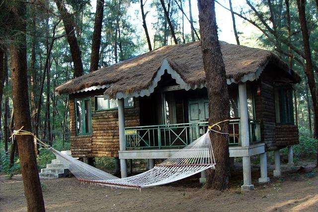 Free photo log hut wood cabin slanted roof free for Casa jardin winter park