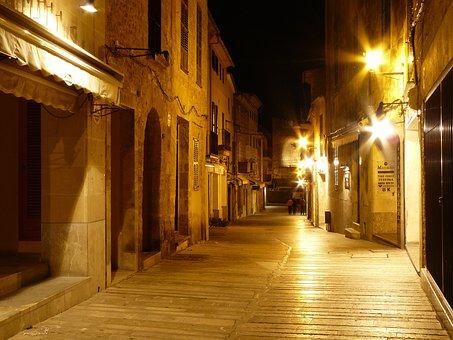 Mallorca kein Risikogebiet mehr - nächtliche Ausgangssperre