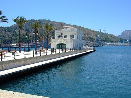Club Nautico en el Puerto de Cartagena Murcia