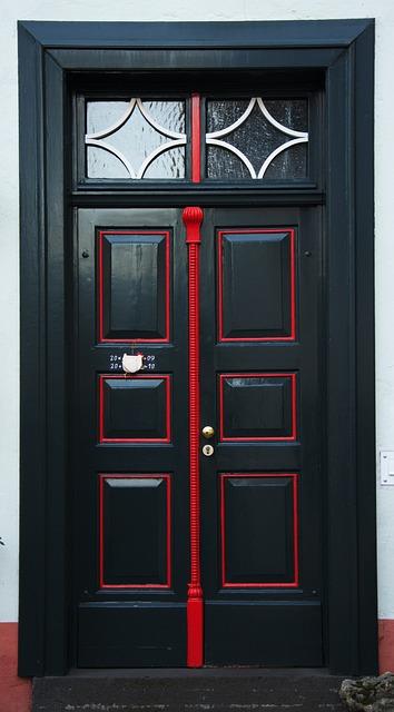 Front Door Security >> Free photo: Door, Front Door, Building, Input - Free Image on Pixabay - 259326