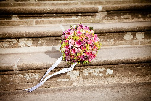 Важность цветов с доставкой в Санкт-Петербурге в нашей жизни