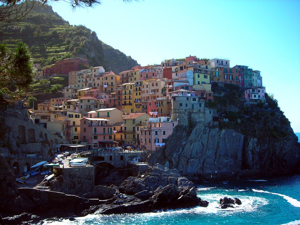 Photo gratuite cinque terre color ville italie for Piscine cmg italie
