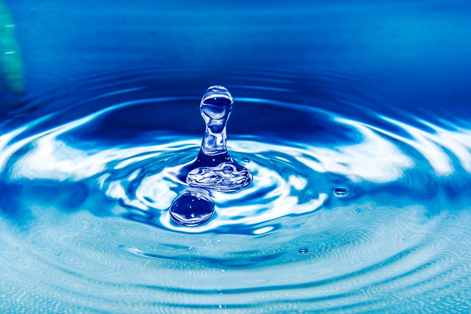 Photo gratuite goutte d 39 eau goutte couleur image gratuite sur pixabay 261860 - Eau de pluie potable ...