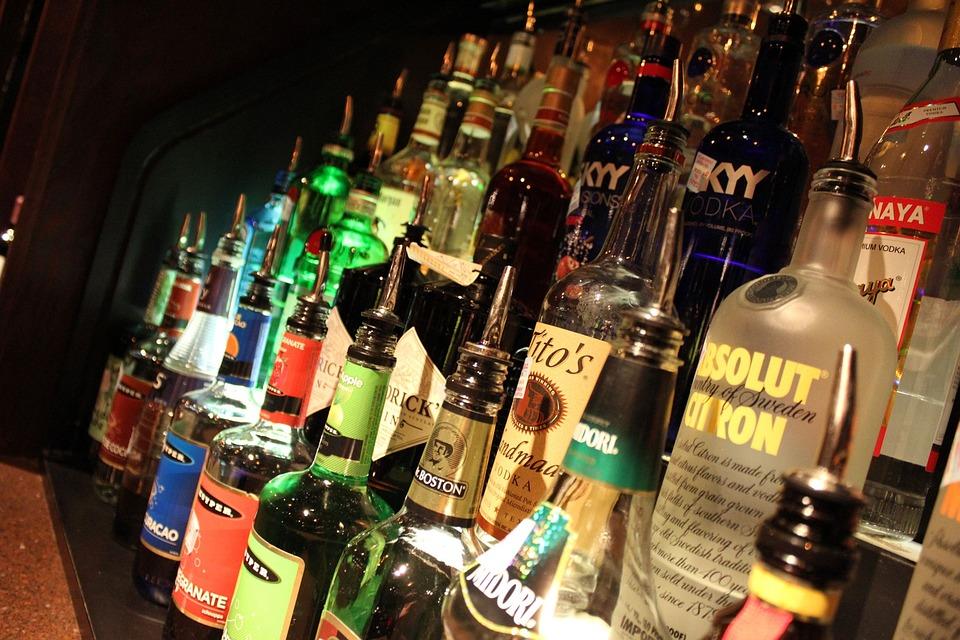 酒, アルコール, バー, クラブ, ドリンク, 酒のボトル, 飲料, カクテル, ブラウンボトル