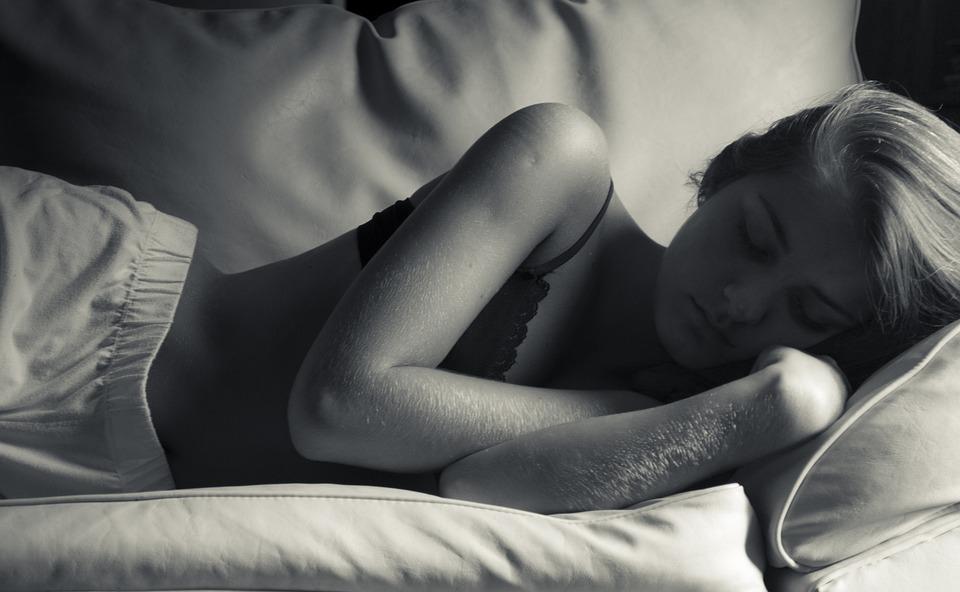 Slaap, Slapen, Rest, Siesta, Nap 'S, Zwart Wit, Zuster