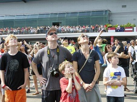 視聴者, 人, 見, 航空ショー, 飛行機, 航空, 軍用ジェット機, 戦闘機