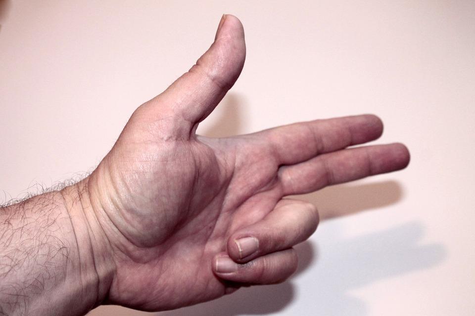 3 doigts dans le cul d039une vieille - 3 2