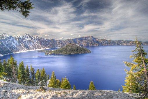 Crater Lake, Oregon, National Park, Usa