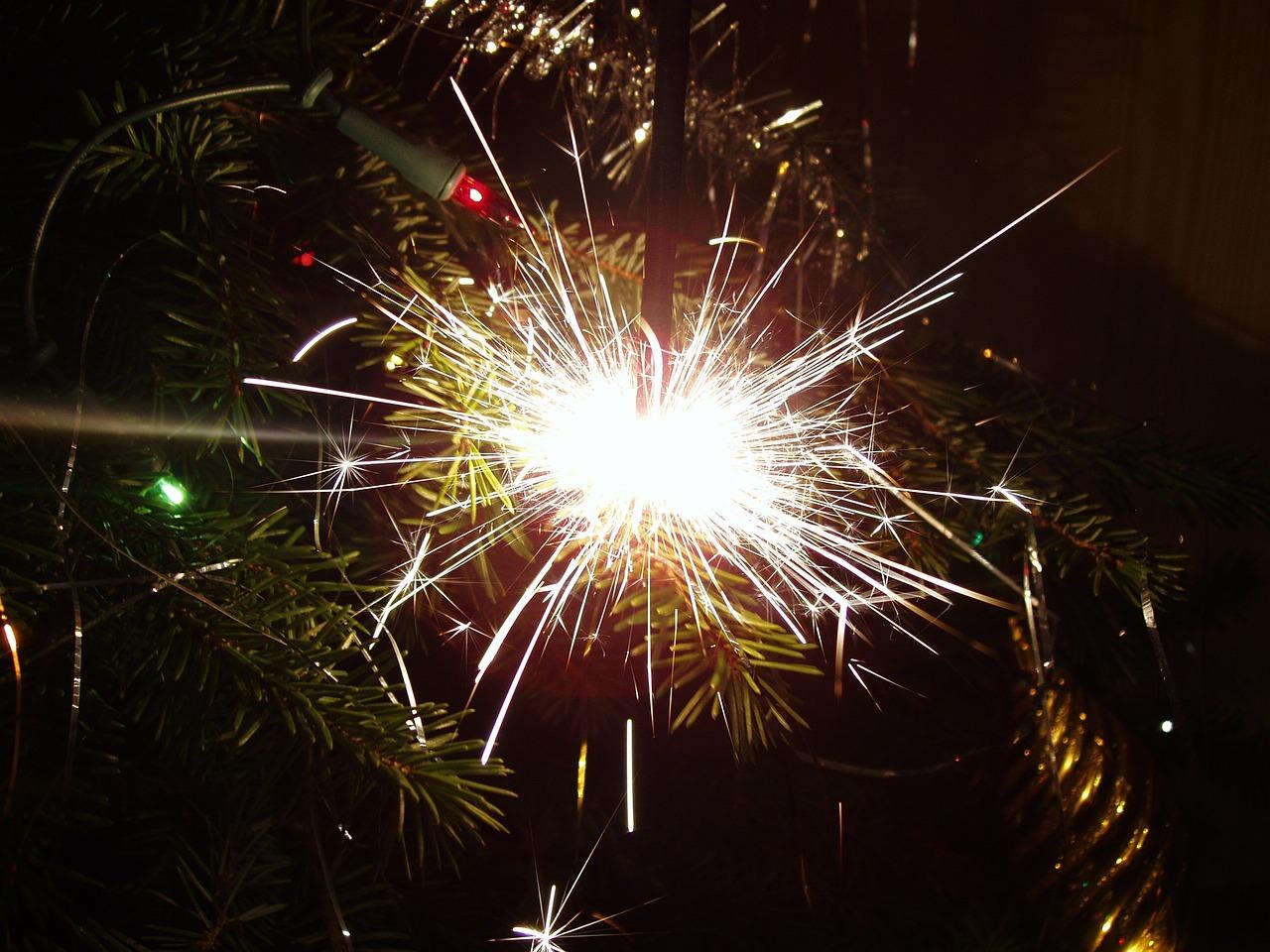 добавляйте фото бенгальского огня писал