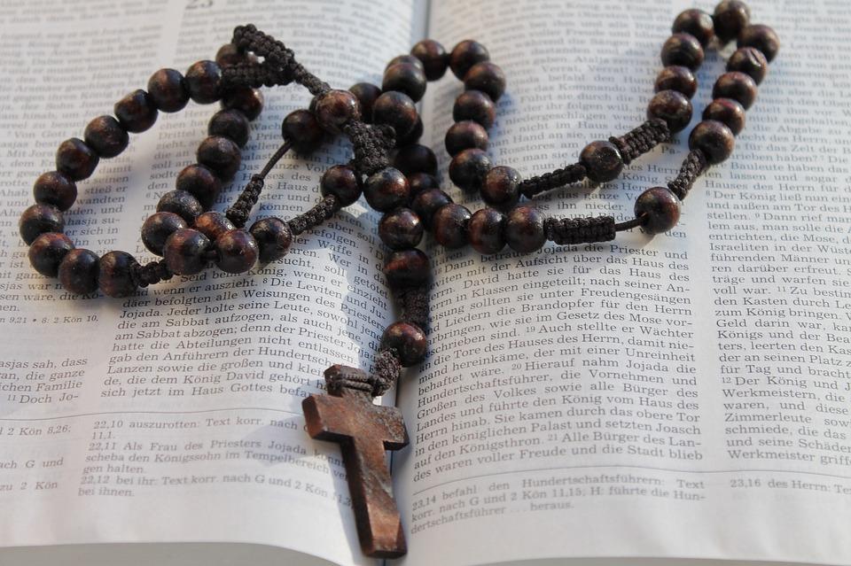 Libro, Biblia, Cruz, Rosario, El Cristianismo