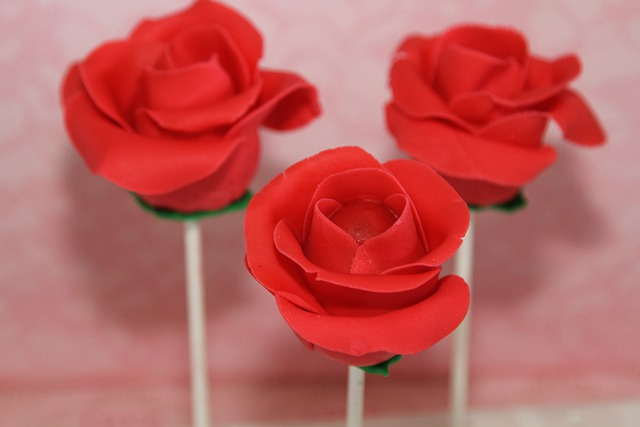 Free photo roses cake pops flower free image on for Pop cake decoration