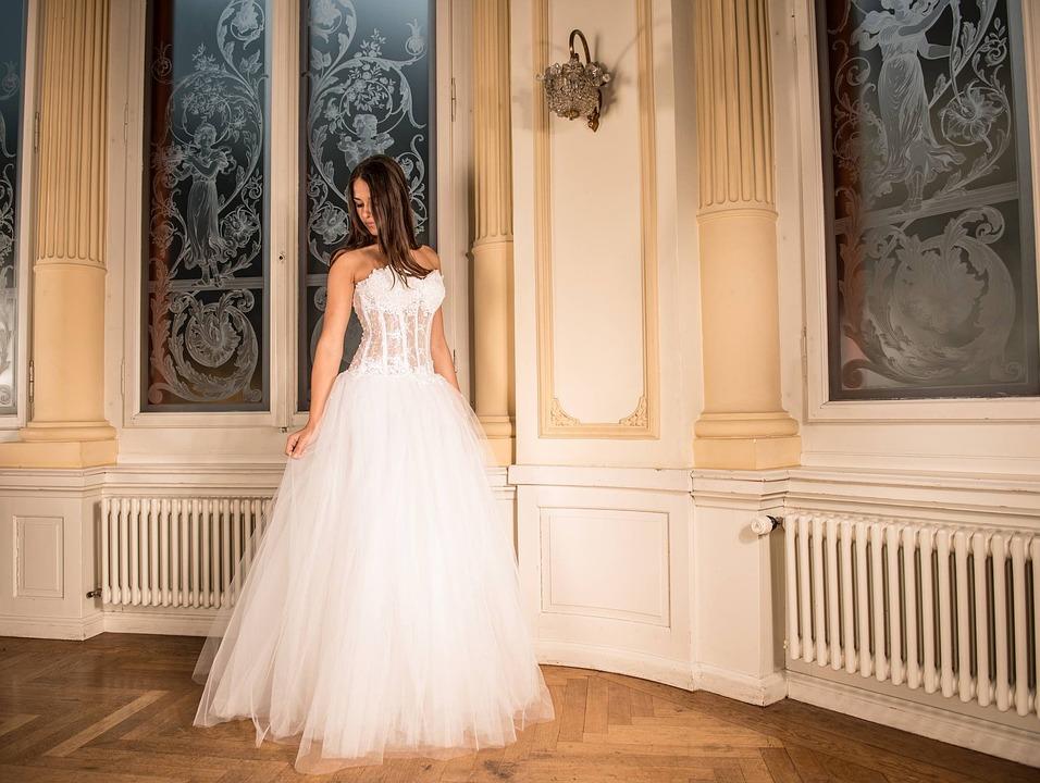 """Résultat de recherche d'images pour """"robe mariage pixabay"""""""