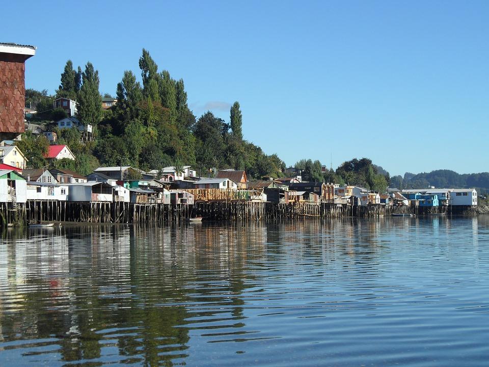 Chiloé, Chili, Maisons Sur Pilotis, L'Eau