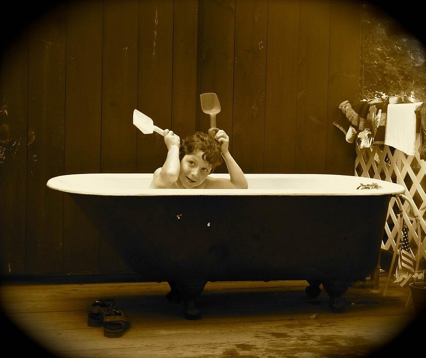 Badewanne Antik junge badewanne antik kostenloses foto auf pixabay