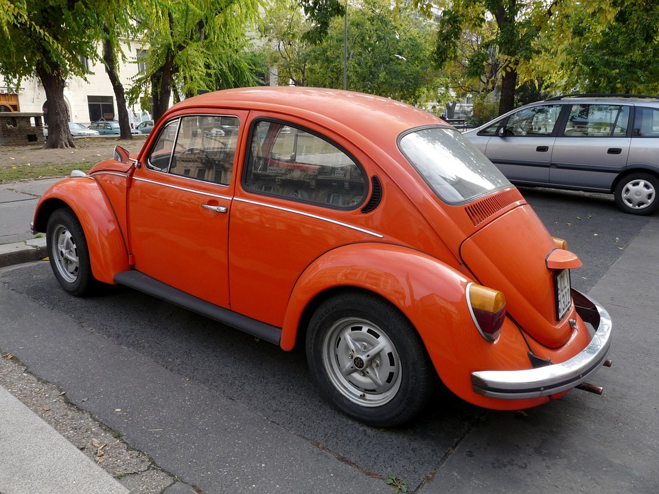 voiture coccinelle orange