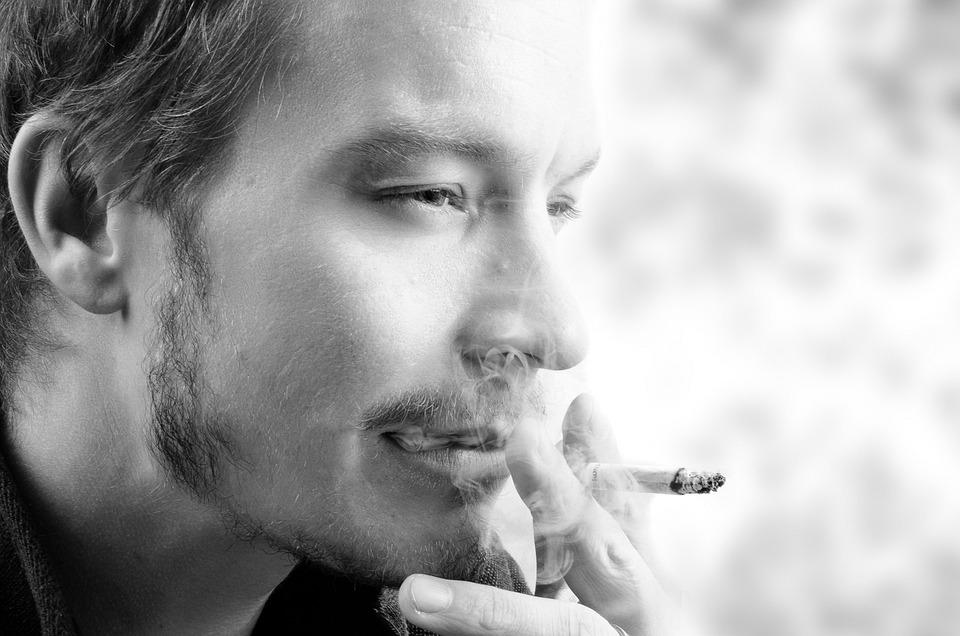 煙, 若いです, 人間, モデル, 大人, 人, たばこ, 男性, 肖像画, 男, 顔, 髪, 皮膚