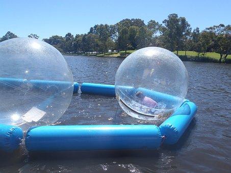 для странные светящиеся шары под водой фото нашем сайте