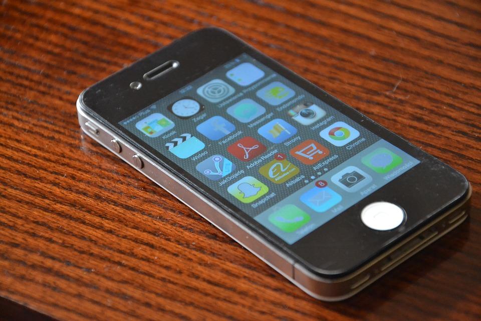ingyenes fekete mobiltelefon lány veszi a legnagyobb kakas