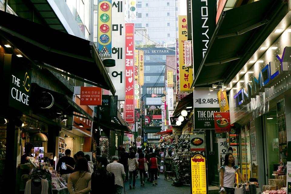韓国でコンセントを使うときの注意点3つ・韓国のプラグ形状と電圧