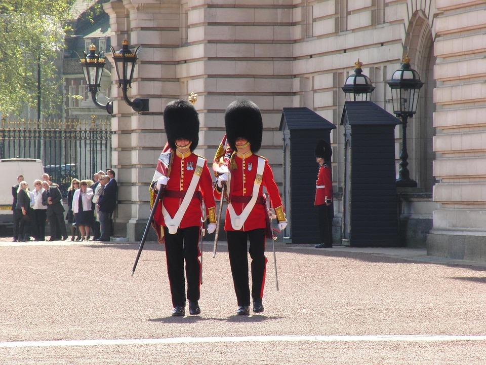 バッキンガム宮殿、衛兵交代式、ロンドン