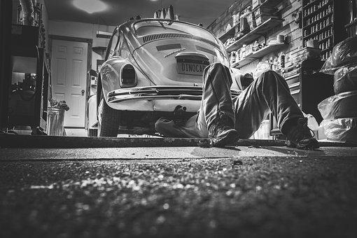 男, 車, 修理, 自動車修理, 車のワークショップ, 修理店, ガレージ