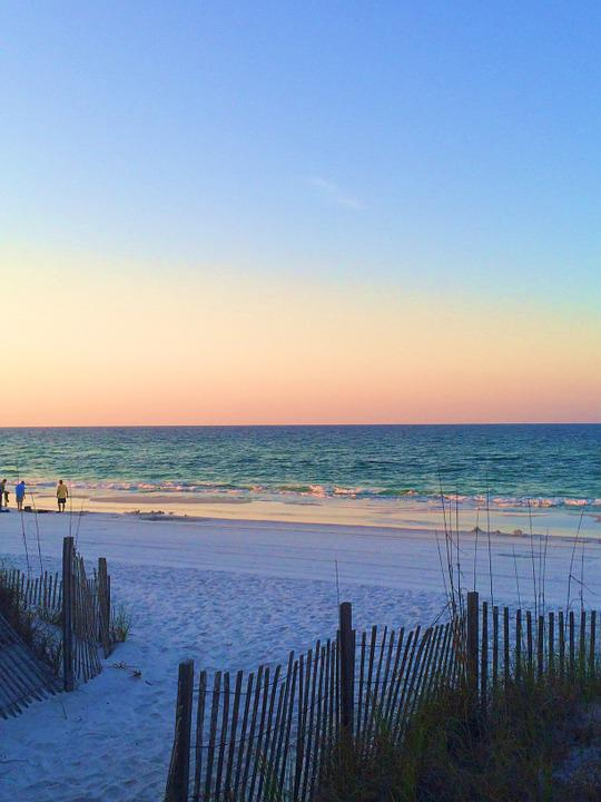 日没 日の出 ビーチ · Pixabayの...