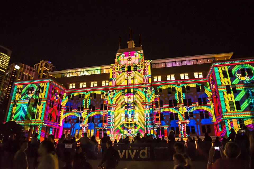 シドニー オーストラリア 博物館 建物 鮮やかです 光のショー 群衆