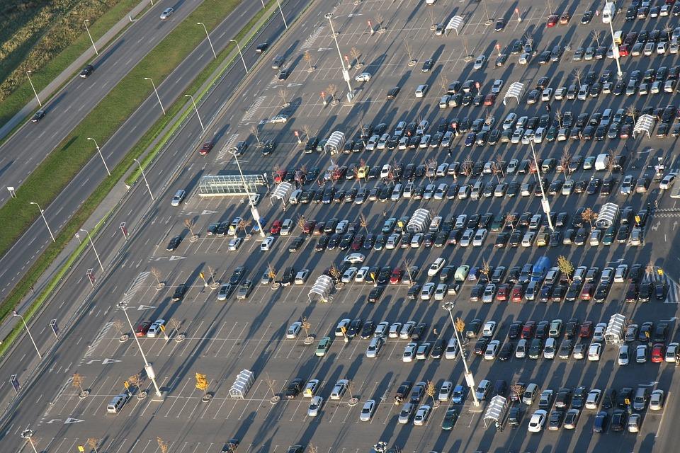Стоит ли покупать автомобиль в кризис - Автофлагман