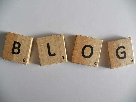 BLOG written on wooden squares on an ash table