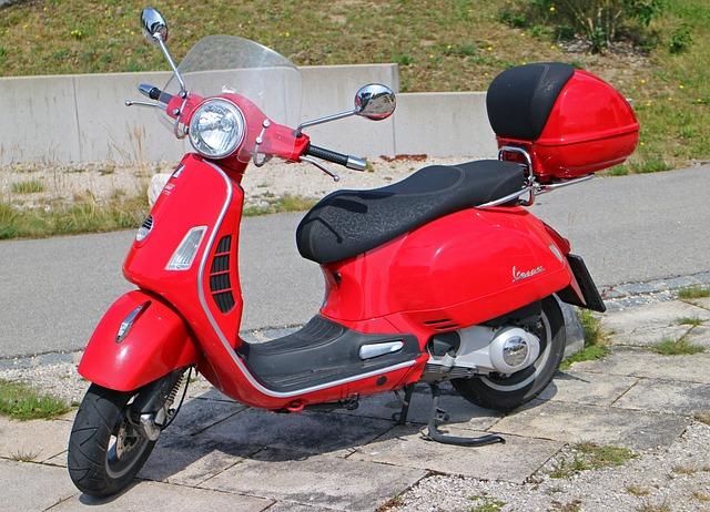 vespa roller motor scooter free photo on pixabay. Black Bedroom Furniture Sets. Home Design Ideas