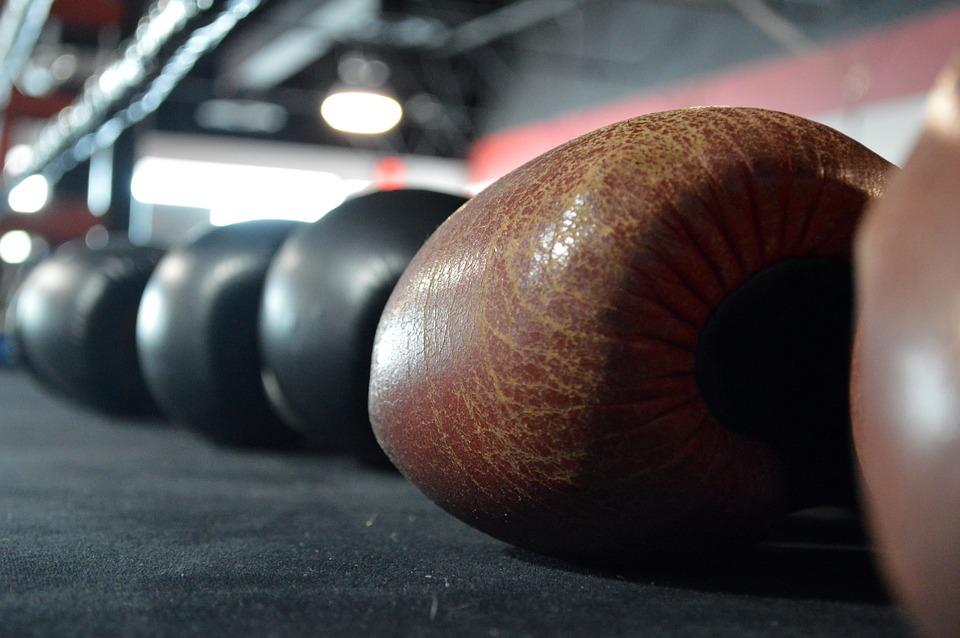 ボクシング グローブ, ボクシングのリング, ボクシング, リング, スポーツ, グローブ, 戦闘機, パンチ